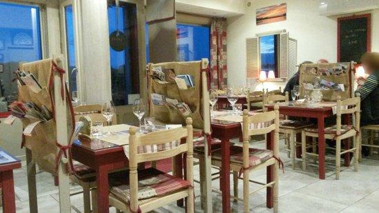 La Dentellière : Inside the restaurant