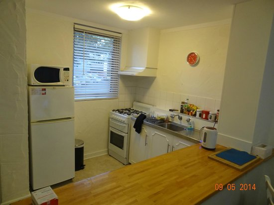 Fremantle Stay: Kitchen