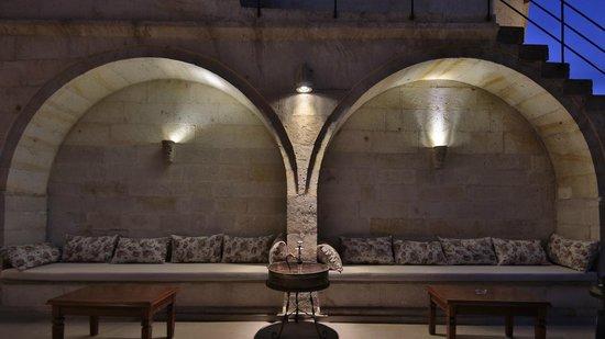 Vezir Cave Suites: Sitting area