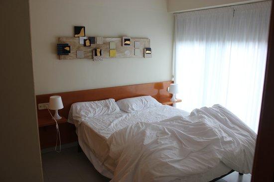Aura Park Nord: chambre avec grand lit