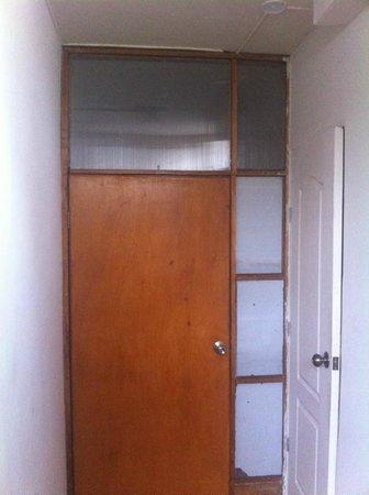 Che Lagarto Hostel Lima: La porte de la 111