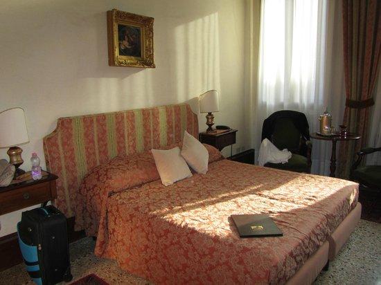 Palazzo Schiavoni: Comfortable Bed