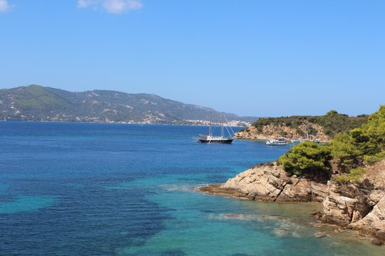 Eleni Boat Tours: visiting island on boat trip
