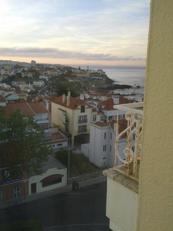 SANA Estoril Hotel: View from Room 504 to the left from Balcony