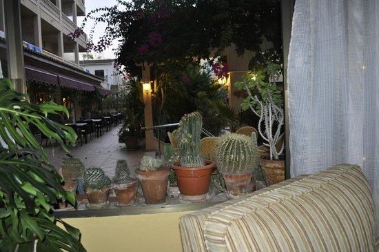 Isla del Sol: Ресторан у бассейна