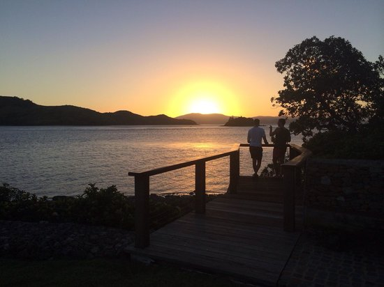 Qualia Resort: Sunset drinks on the helipad