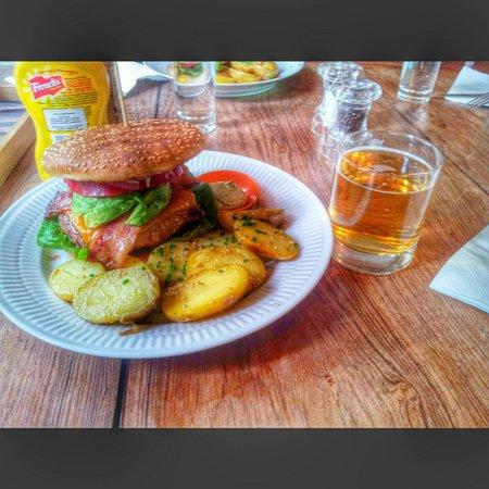KH Clausen: Best hamburger in Europe!