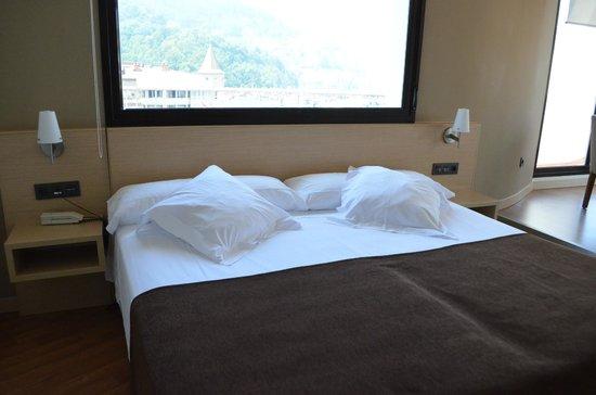 Hotel Codina: Double bed