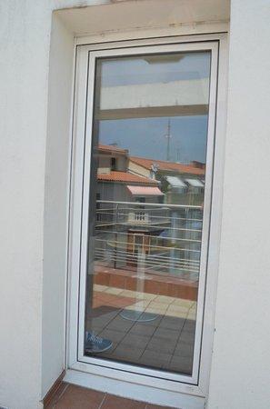 Sercotel Hotel Codina: Balcony door