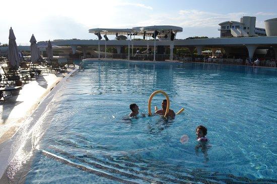 Cornelia Diamond Golf Resort & Spa: Main pool