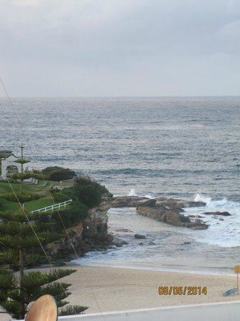 Coogee Sands Hotel & Apartments: View from the room