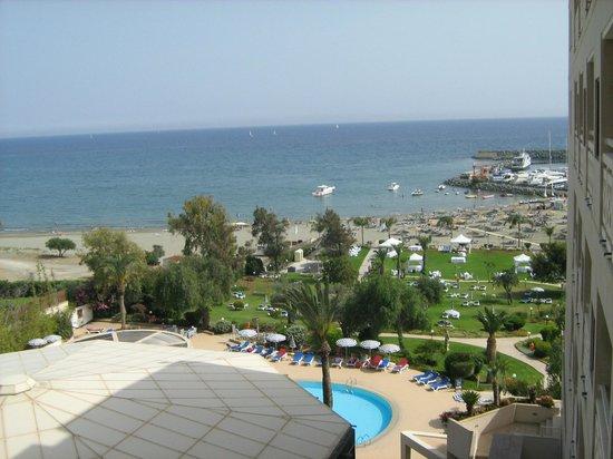 St Raphael Resort: территороия отеля