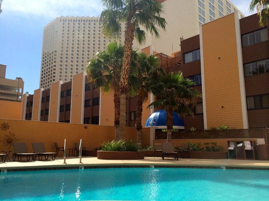 Best Western Plus Casino Royale: The pool at Casino Royale