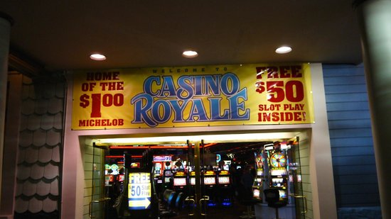 Best Western Plus Casino Royale : Casino entrance from the strip