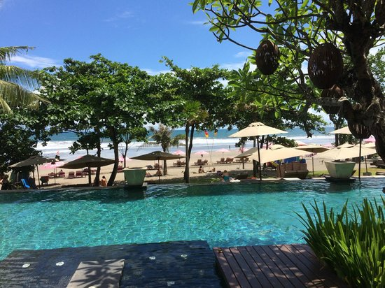 Anantara Seminyak Bali Resort: the infinity pool and beach