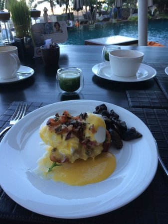 Anantara Seminyak Bali Resort: alacarte breakfast included