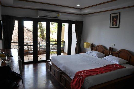 Lipa Bay Resort : La habitación que nos tocó.