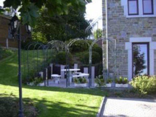 Gite Du Roy: une terrasse