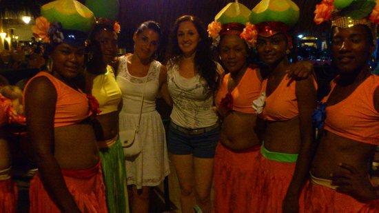 Grand Palladium Punta Cana Resort & Spa: Liliana y las animadoras de la Coco Party