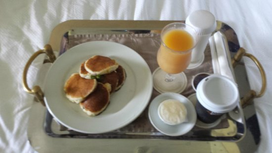 Sofitel Fiji Resort & Spa: Room service breakfast.