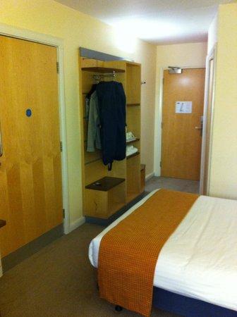 Holiday Inn Express Dundee: hangar 18