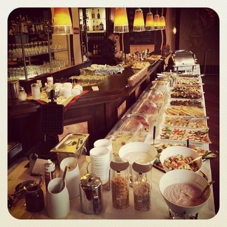 Cafe Via Nova: Via Nova Sonntagsbrunch
