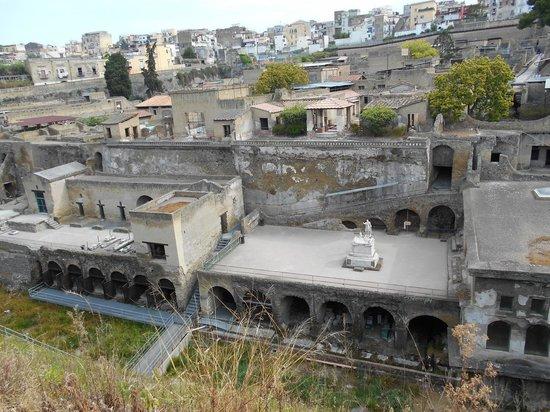 Herculaneum Ercolano : View over ancient Herculaneum