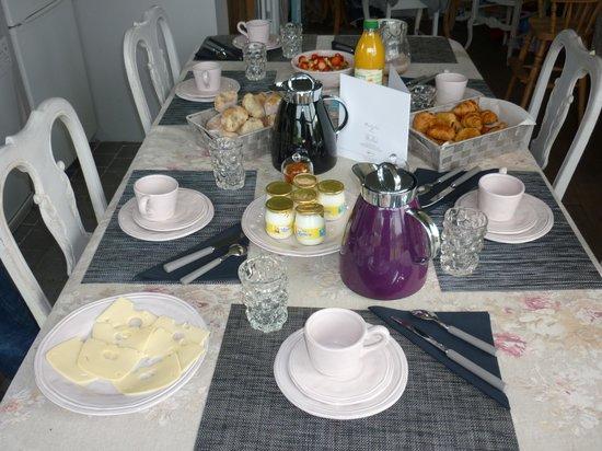 Le Pre Rainette, Chambres d'Hotes de Charme : un petit déjeuner pantagruélique