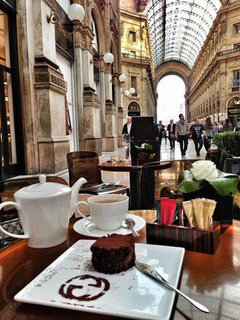Gucci cafe milan centro storico restaurant reviews for Best coffee in milan