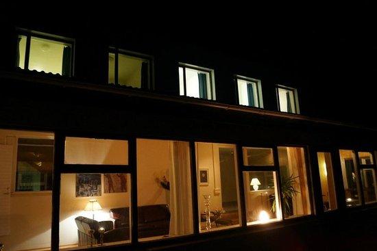 Guesthouse Hvita: Exterior