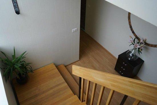 Guesthouse Hvita: stairway