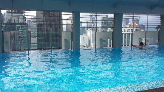 PARKROYAL Serviced Suites Kuala Lumpur : pool view