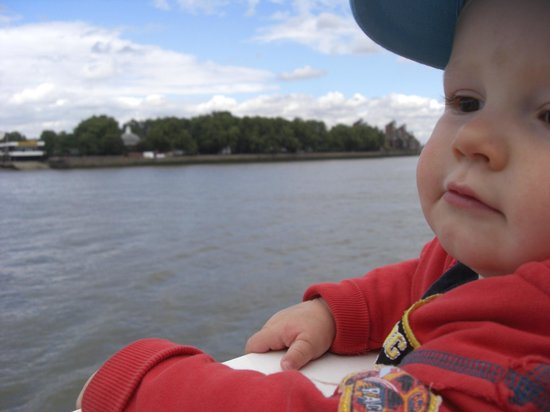 Thames River: Kids love the boat trips