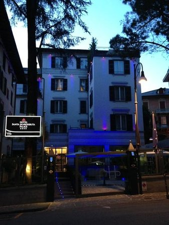 Hotel Santa Margherita Palace: Night view