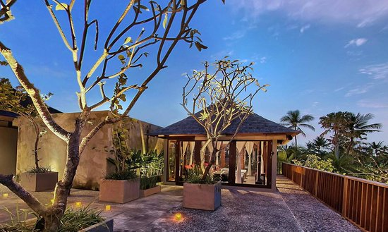 Legian Beach Hotel: Open air Usadha Spa