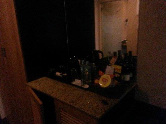 Goldberry Suites & Hotel : room