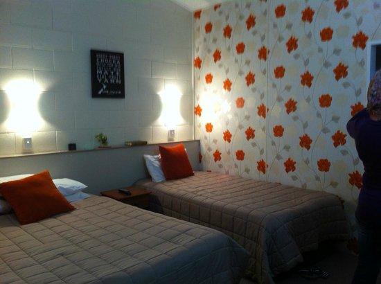 Tower Road Motel : Bedroom