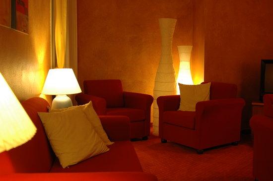 Hotel Garni Marina: SALA LETTURA / TV