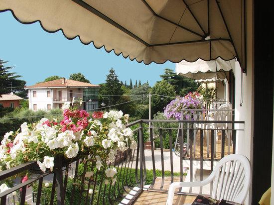Hotel Garni Marina: BALCONE CAMERE