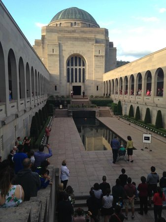 Australian War Memorial: The last post ceremony