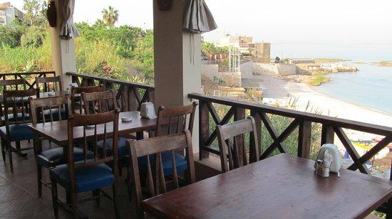Ahiram Hotel: Терраса для завтраков