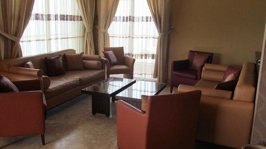 Ahiram Hotel : Холл отеля