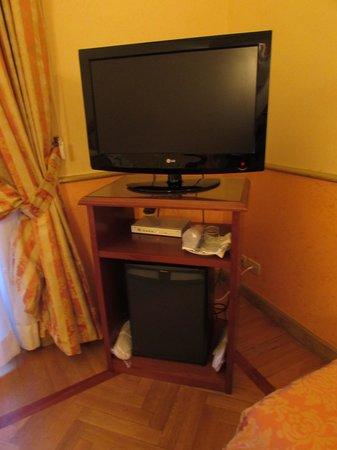 Tiziano Hotel : TV