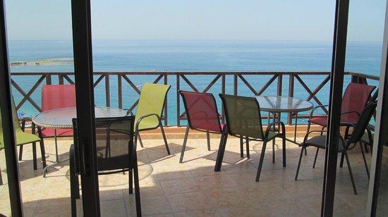 Ahiram Hotel : Терраса бара