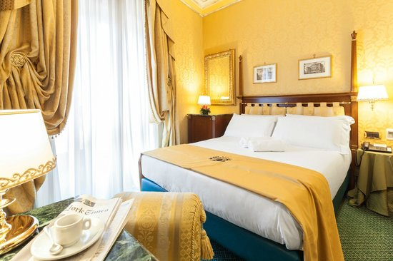Hotel Manfredi Suite in Rome : camera da letto