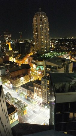 Meriton Serviced Apartments Campbell Street : View from balcony