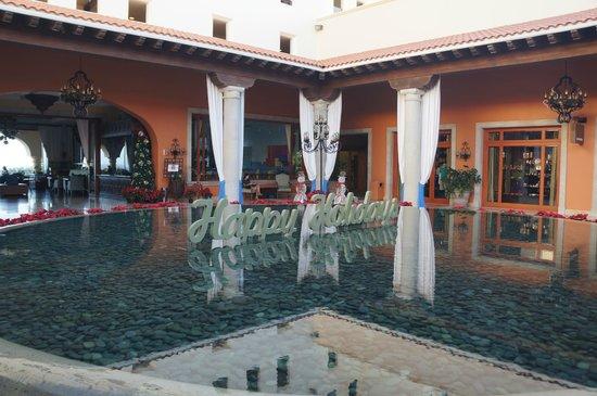 Hilton Los Cabos Beach & Golf Resort : Lobby area.