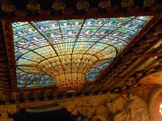 Palau de la Musica Orfeo Catala: la voute en vitraux
