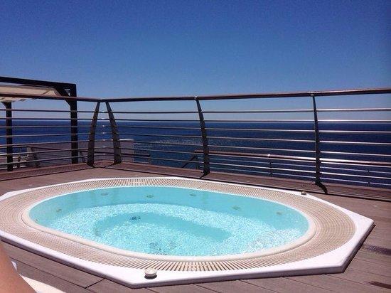 SANA Sesimbra Hotel : Jacuzzi