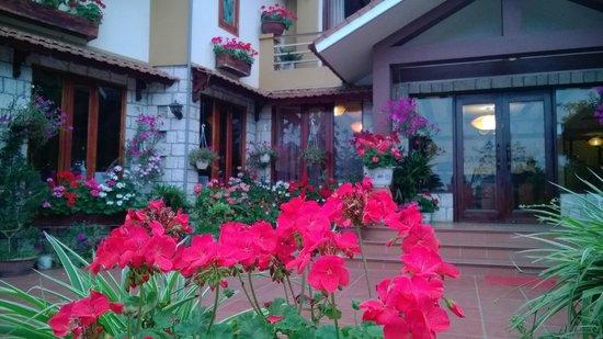 Sapa Elegance Hotel: frond of Elegance hotel
